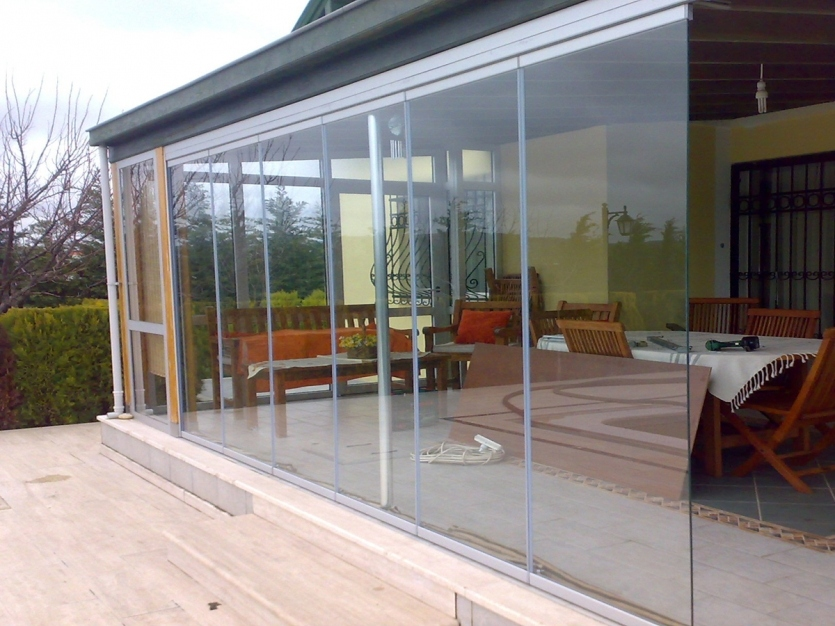 Salon d t et d 39 hiver type veranda glass alu design for Veranda hiver ete